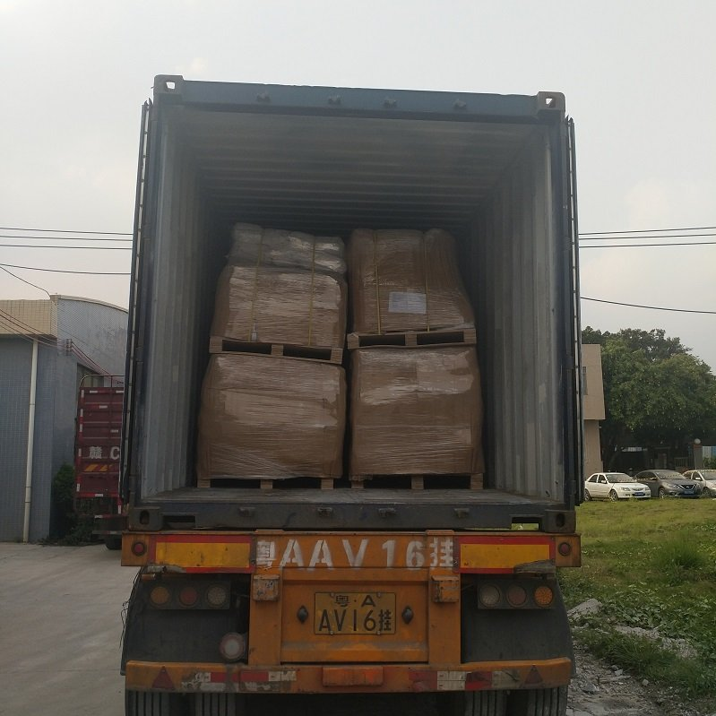 YUNYAN-Mix 15 product items for living container house into 20 feet container delivered to Uruguay N-1